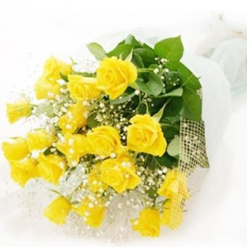 Thick yellow rose bouquet